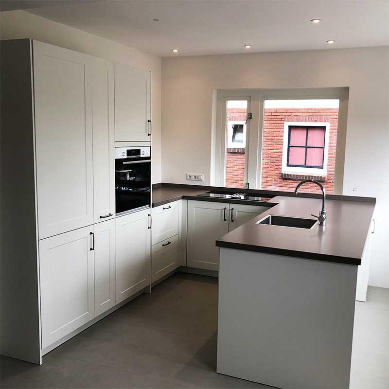 keuken plaatsen groningen, keuken installeren groningen, keukeninstallatie, keukenmontage groningen